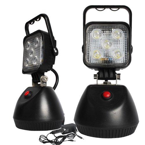 AKU pracovní LED světlo s magnetem 15W, svítivost 639 lm